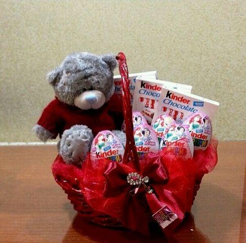 Подарки из сладостей и игрушек