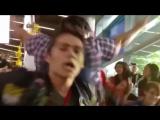 Dylan OBrien dancing / Дилан О'Браен танцует