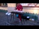 Пражская уличная музыка Игра на бокалах с водой