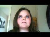 толстая девочка исполняет песню Уитни Хьюстон