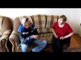 Бабушка и АлабайБросается на собак,тянет поводок