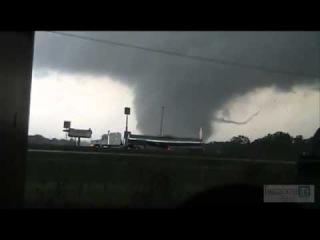 Торнадо F5 в США 300 погибших
