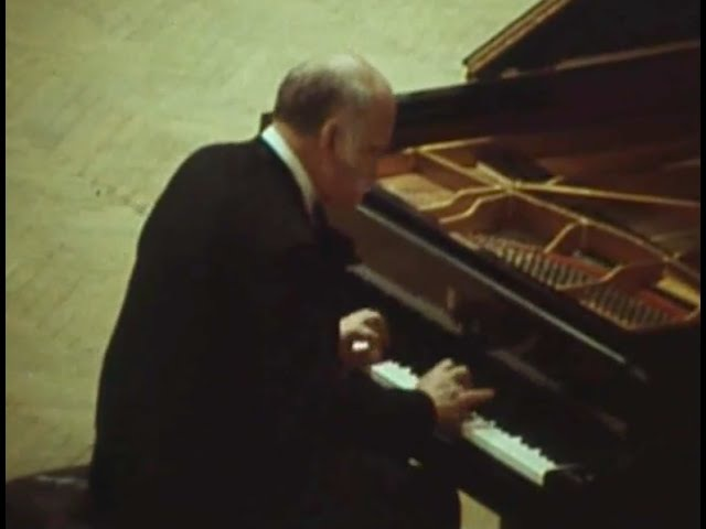 Sviatoslav Richter plays Beethoven Piano Sonata no. 32, op. 111 - video 1975 best quality