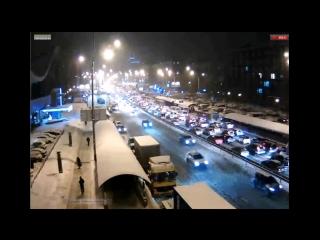 Украина: В Киеве автомобильные заторы из-за сильного снегопада. Город стоял в 10-балльных пробках. 25.01.2016