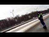 Инспектор ДПС не пропустил машину «скорой» ради кортежа