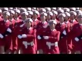 На марше девушки.Военный парад в Китае.