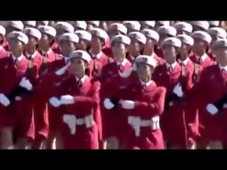 """На марше девушки.Военный парад в Китае. """"Катюша"""" на китайском языке."""