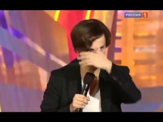 Юрмала 2011 номер на ком театр держится в исполнении Максима Галкина   и Сергея  Дроботенко