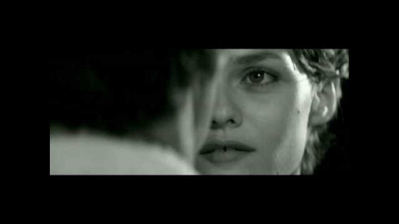 La fille sur le pont music video