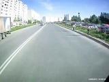 Пьяный скутерист врезался в ВАЗ 2109.