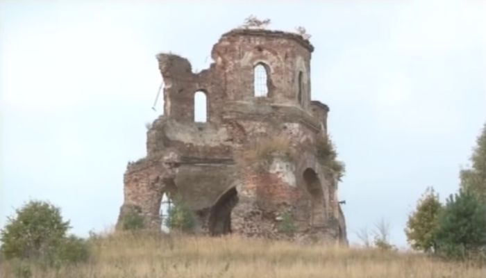 На Львівщині хочуть зберегти храм, який служив за мішень на полігоні