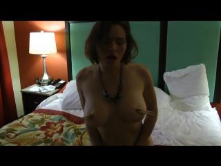 Порно брат застукал сестру за мастурбацией.инцест