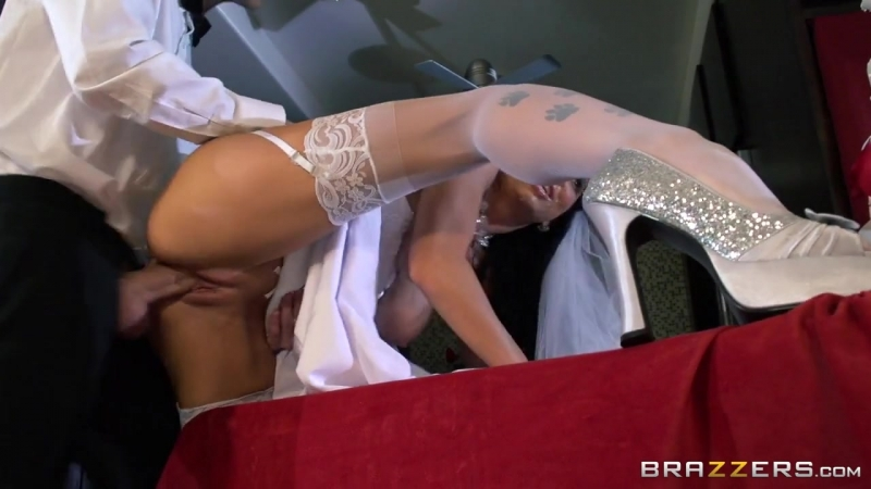 Romis Early Wedding Gift Romi Rain  Danny D 01