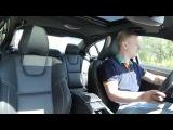 Водитель вышел на ходу из Tesla-мобиля, а та заблокировалась :D