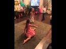 Ксения Бородина и ее дочь Маруся Бугаудинова играют и поют