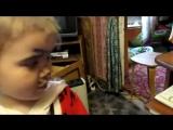 маленькая девочка сама себя подстригла