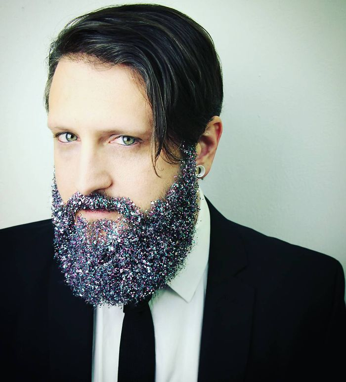 """YJ8aIfBggXw - Кончита Вурст: """"Как украсить бороду к празднику"""" (30 ФОТО)"""