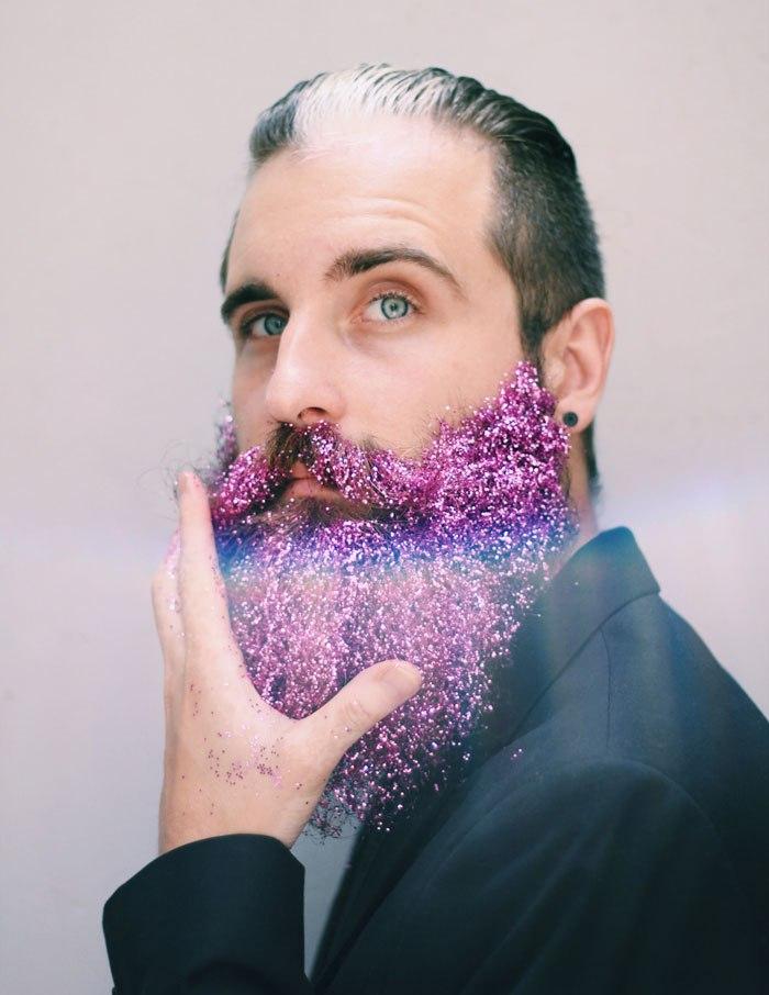 "gbz7xKKkvbA - Кончита Вурст: ""Как украсить бороду к празднику"" (30 ФОТО)"