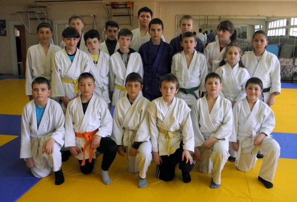 .....LTPS 2 * Echipa Secţia Judo,Sambo
