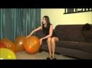 Лечебная терапия шариками прыгая попкой на них   Hot doctor balloon popped on him part 1