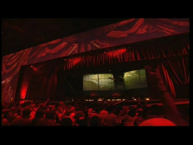 Gorillaz - Feel Good Inc. (Live At The MTV EMA's)