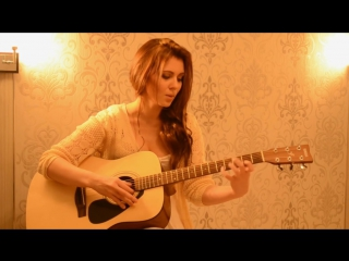 Девушка поёт песню Присциллы из игры