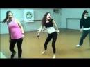 Мартина Штоссель танцует в детстве =)