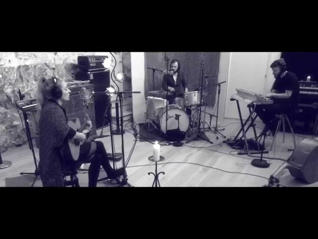 Eivør - Bridges - Live performance at Studio Bloch - Part 1