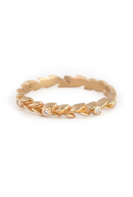 bjePIbS2BVA - Уникальные обручальные кольца