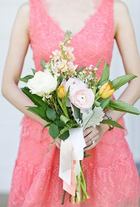 n6u3fqyzuDo - 20 Весенних свадебных букетов с тюльпанами
