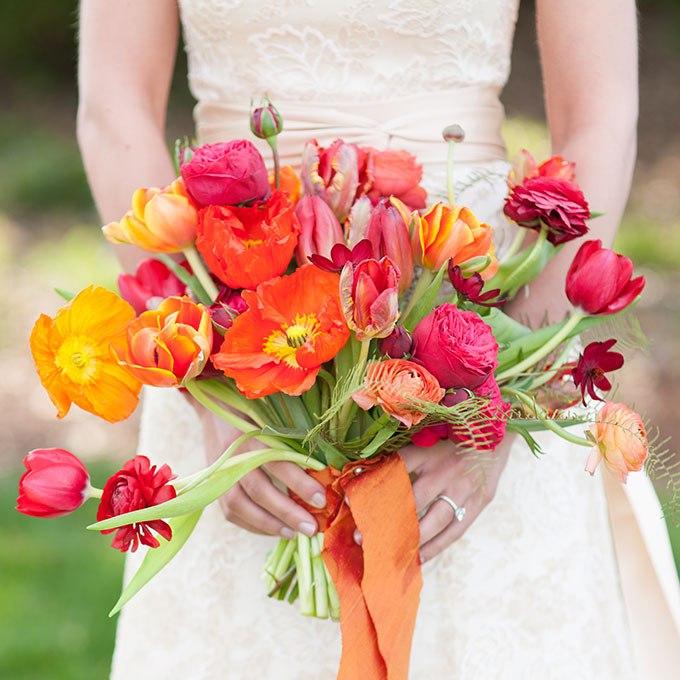 7ajfRS4kH6c - 20 Весенних свадебных букетов с тюльпанами