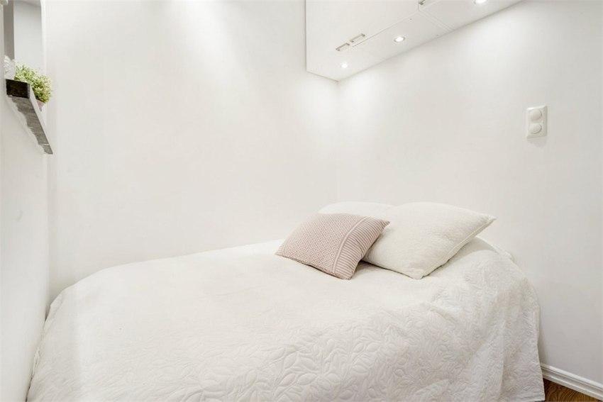 Интересный способ отделить спальню в студии 31 м.