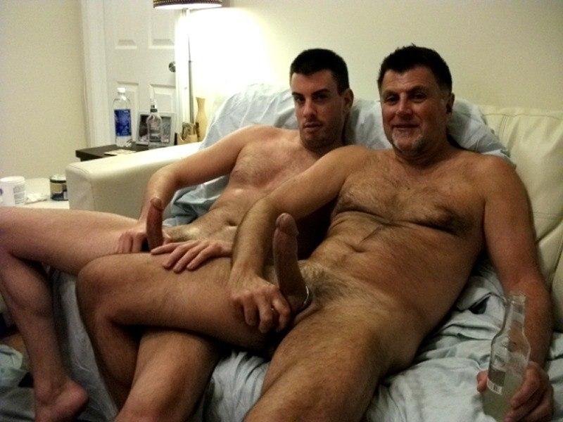 Порно фото геев сын и отец