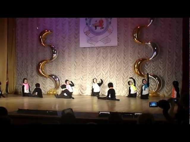 Детский танец Весёлые пингвины ансамбль Пичворк.MPG