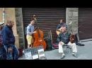 콘트라베이스 최준혁 이탈리아여행 중 거리연주가들과 함께 즉흥연주 Autumn leaves