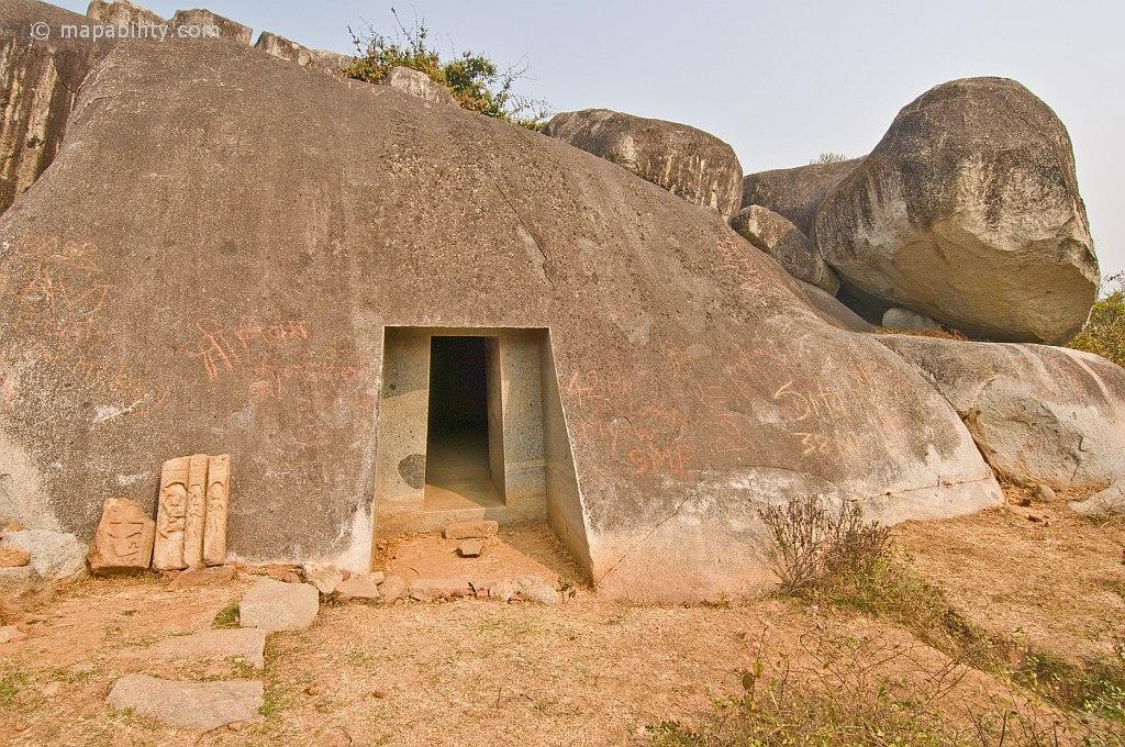 пещера барабар индия