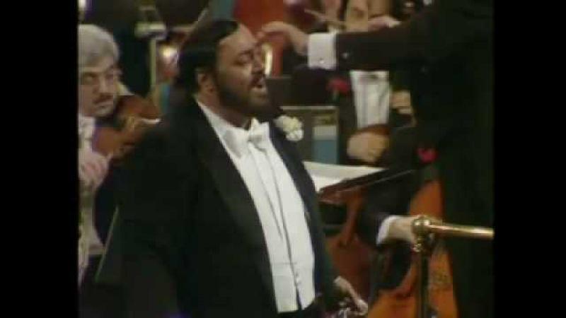 Luciano Pavarotti. Una furtiva lagrima. L´elisir d´amore. G. Donizetti.