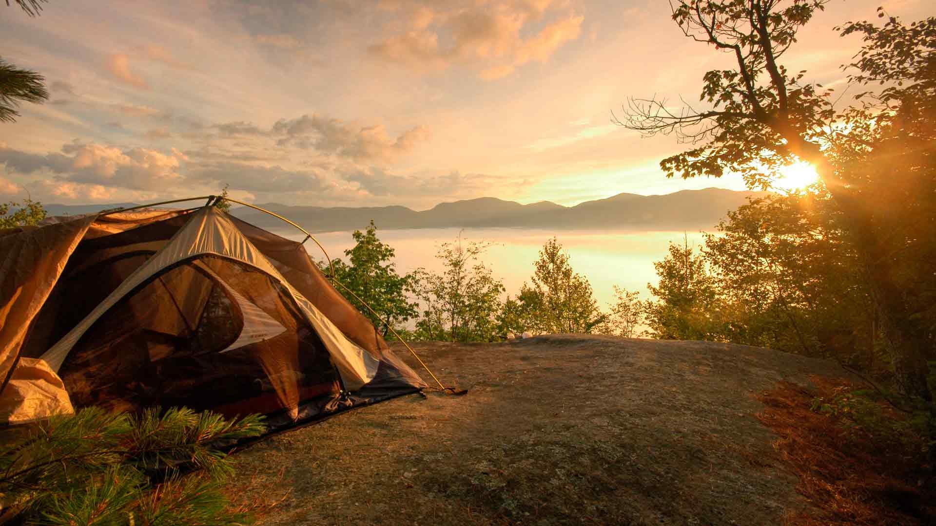 С женой и другом в палатке 15 фотография