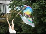 Как сделать гигантские мыльные пузыри в домашних условиях?  Вытворяшки