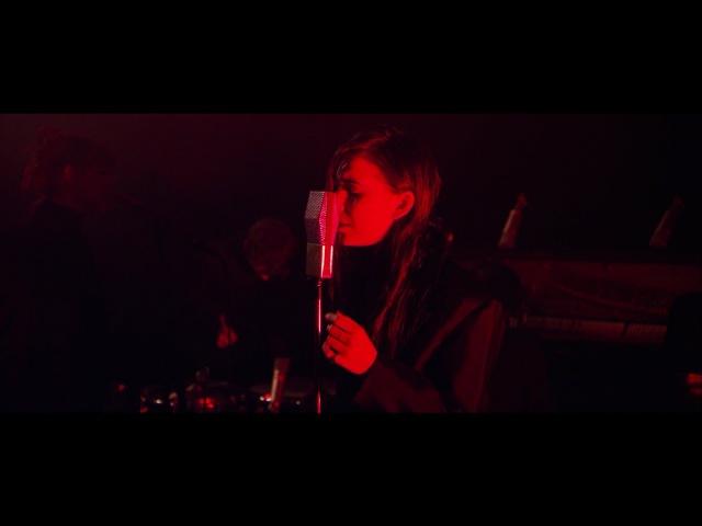 Lykke Li - Gunshot (acoustic, HM Life)