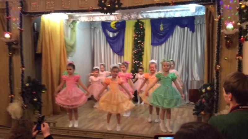Танец кукол Средняя группа 19 12 2015 г