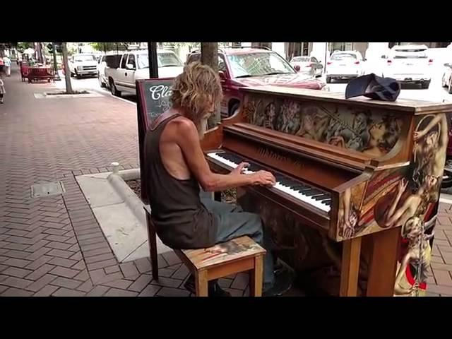 Бездомный пианист из Сарасоты Donald Gould .