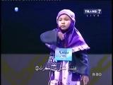 МашаАллах  посмотрите как она красиво  читает Коран