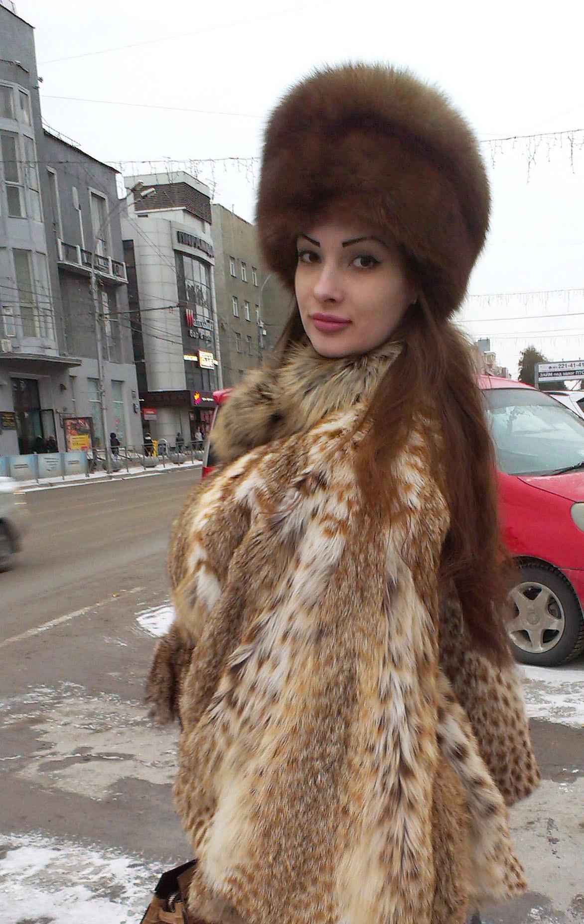 Elegant Women In Furs On Pinterest Fox Fur Coat Fur