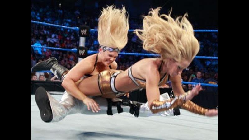 SmackDown: Kelly Kelly vs. Michelle McCool