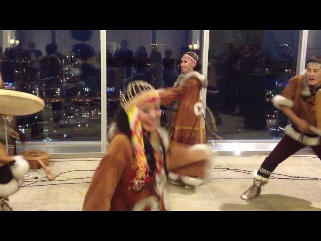 Танец на крыше небоскреба в Торонто