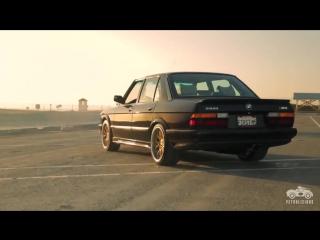 BMW M5 E28 - скромность и сила