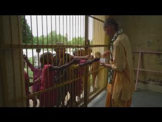 Махапрасад для деток, храм Шри Шри Лакшми-Гопала, Вриндаван :)