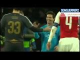 Lionel Messi y Petr Cech: el emotivo abrazo tras anotarle por primera vez