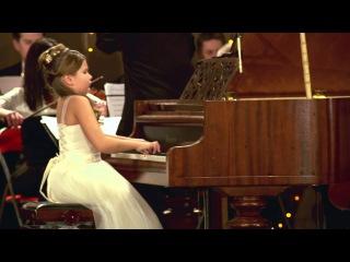 Христина Михайличенко. Моцарт Концерт №8 ІІ і ІІІ частини.